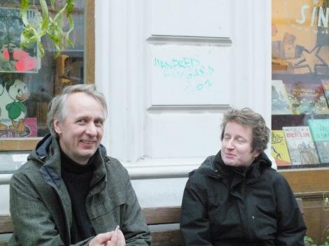 Renate Comics을 운영하는 멤버 (왼쪽 남성이 인터뷰이)